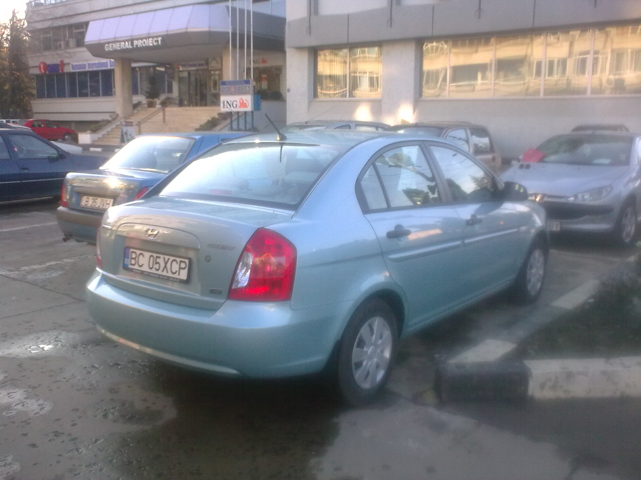 Vind hyundai accent diesel an 2008 prima revizie facuta