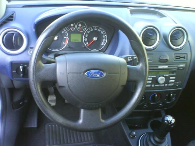 Ford Fiesta an 2006 75 cp de vanzare