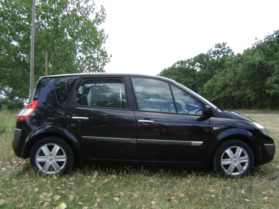 Vand renault scenic 2 1,5dci 85cp