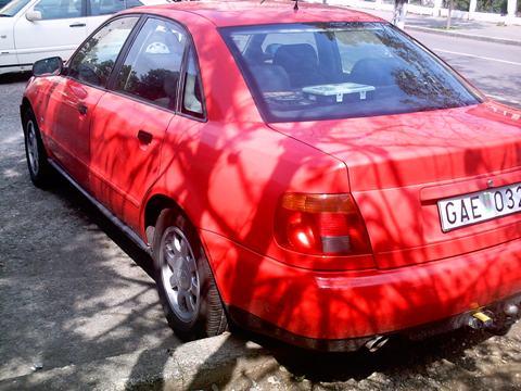 Vand audi  a4 an 1996 1800cmc inmatriculata bulgaria